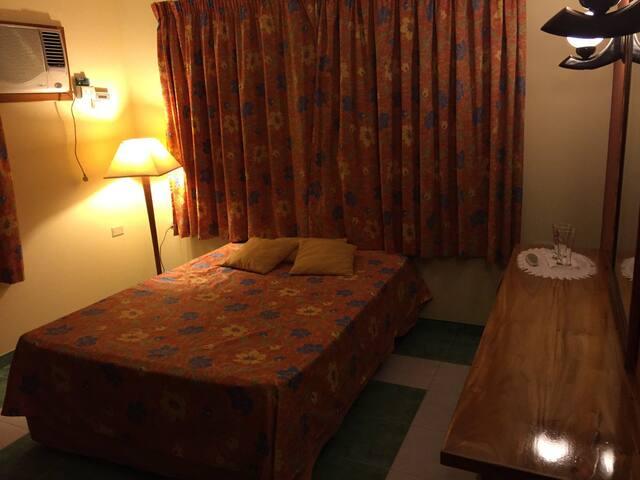 Habitación con 1 cama XL