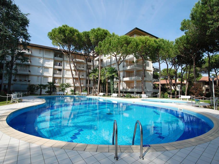 Appartamento in residence lignano riviera appartamenti for Bagno 5 lignano riviera