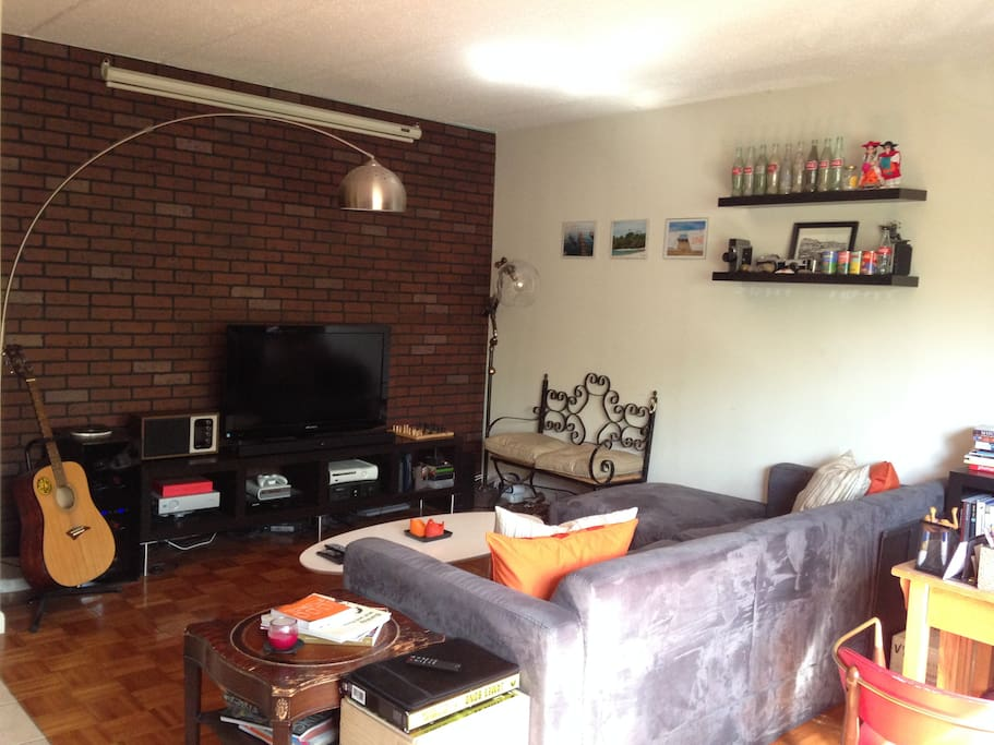 Great spacious apartment appartements louer astoria for Aki kitchen cabinets astoria ny
