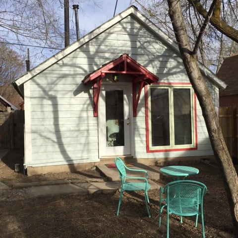 Town, Quiet, Private 1 bedroom Tiny Home Mansion!