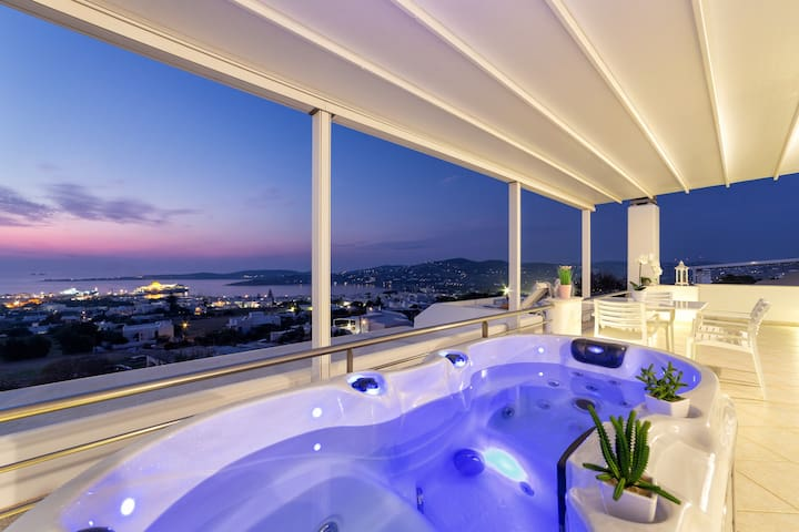 Luxurious suite with unique sea view