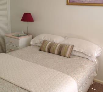 Bedroom sleeps 4 in the Bay - Batemans Bay