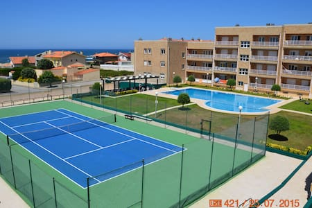 Beach apart + pool and tennis court - Labruge