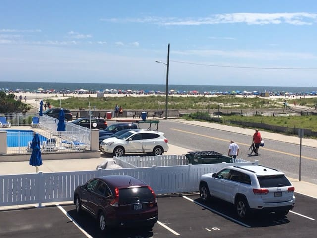 Great Ocean View - 1 Bdrm Condo 75Ft to the Beach
