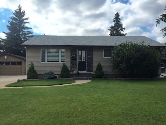 basement suite in nutana park houses for rent in saskatoon