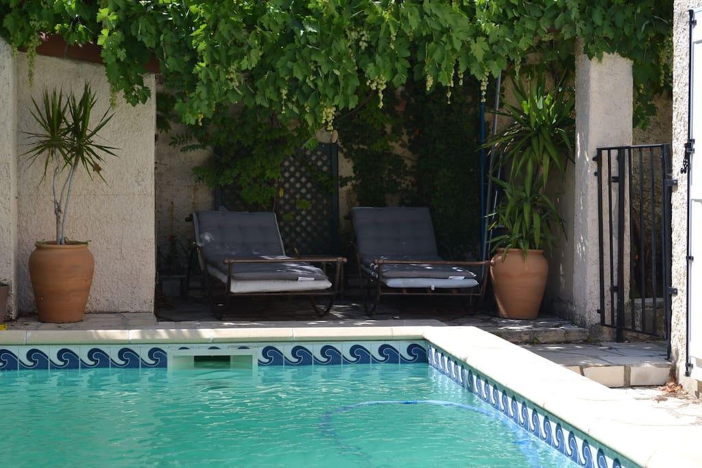 Foyer Logement Plan De Cuques : Maison piscine au dessus marseille plan de cuques의 주택에서