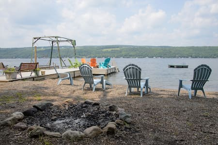 Large Keuka Lakefront Home - Hammondsport