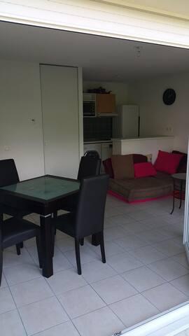 Bel appartement proche de Genève - Ain - Apartment