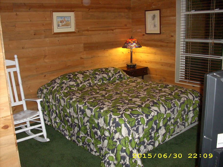 Queen bed, 4 pillows, sheets, comforter, blanket included.
