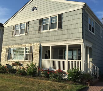 Weeks in July and August Available: 5br in Belmar