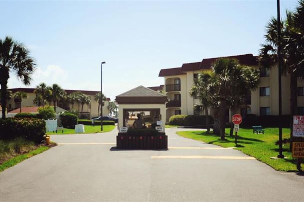 Beautiful Condo 100 Yards From The Apartments For Rent In Saint Augustine Beach Florida