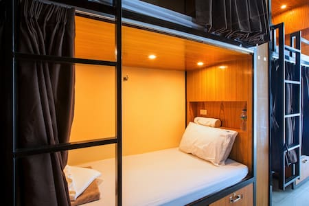 Single Pod in a 20 Bed Dormitory - Tambon Patong - Dorm