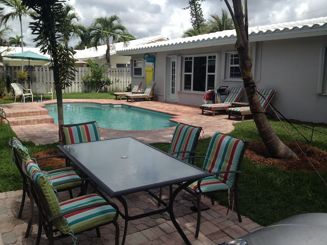 Immaculate Beach Lover's Paradise! - Lauderdale-by-the-Sea - Dom