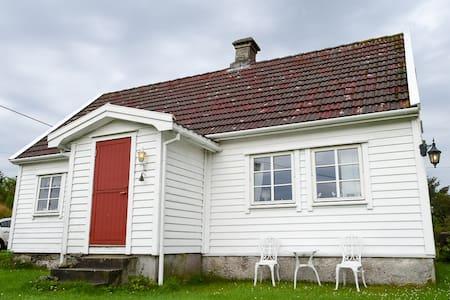 Charming Countryside House - Skudeneshavn