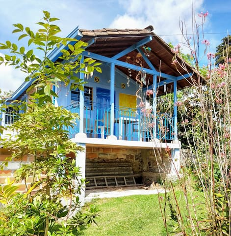 Cottage and nature in Santa Elena