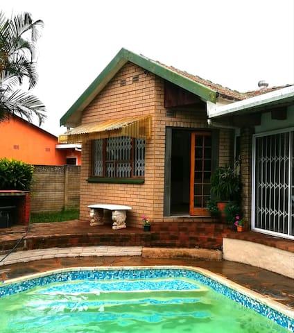 Arbour Cottage - self catering studio apartment