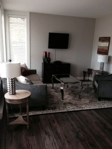 Semi Lakefront Suite - Lake Country - Byt