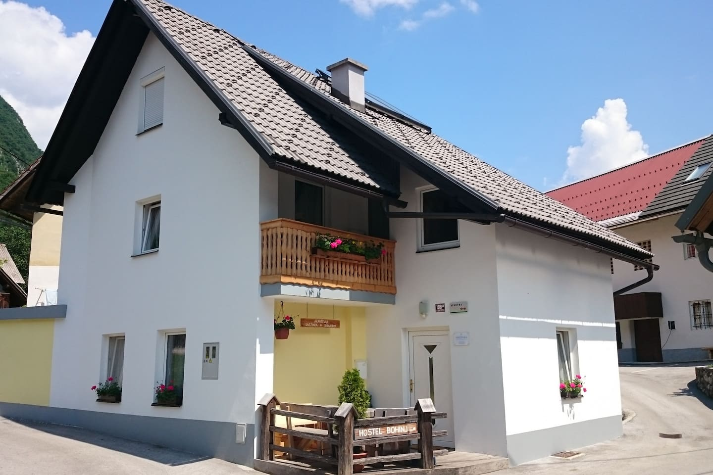 Apartment house - Chalet Snowdrop - apartment is on first floor and attic