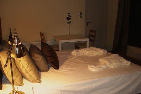 Delfi Luxury Rooms - Αράχοβα - Alpstuga