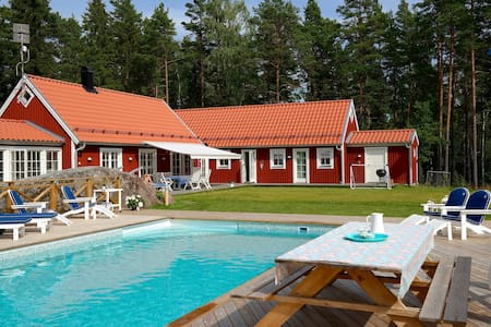 Swedish Dream: Sea, Pool & Sauna - Norrtälje - Talo