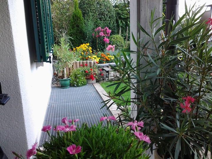 möbilierte 3 1/2 Zimmer-Garten-Wohnung