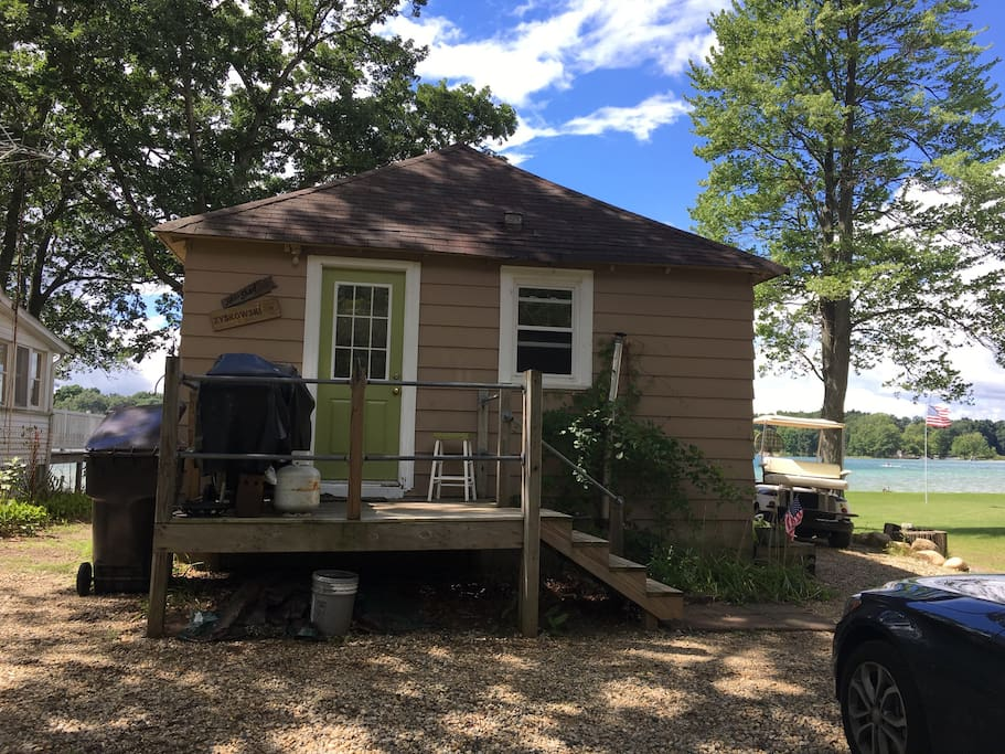 Cozy Lakefront Cottage Vacation Homes For Rent In