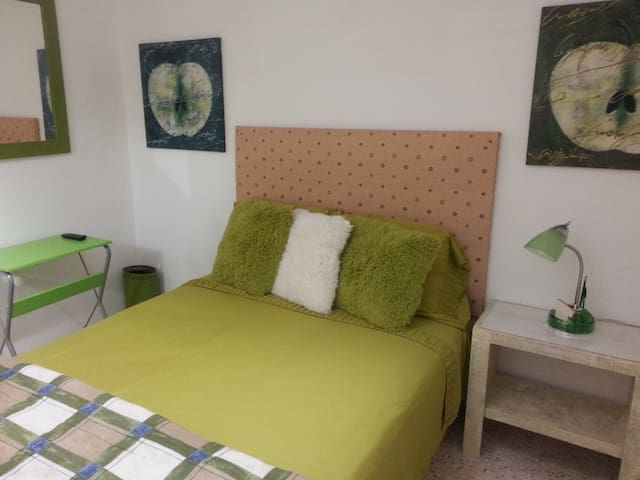 #C GROUND FLOOR FURNISHED ROOM-TERRACE/MINI STUDIO - Ponce - Apartment