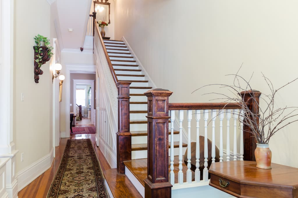 Grand Staircase going to the 2nd Floor.