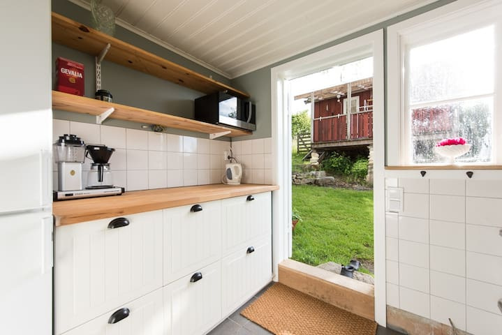 Small and cosy cottage - Gunnesbo - Cabin