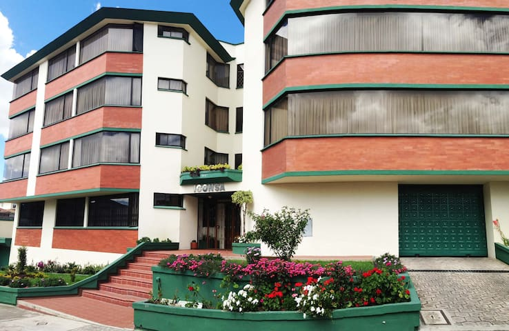 Luxurious 3 Bd Sleep 6  +parking - Quito - Pis