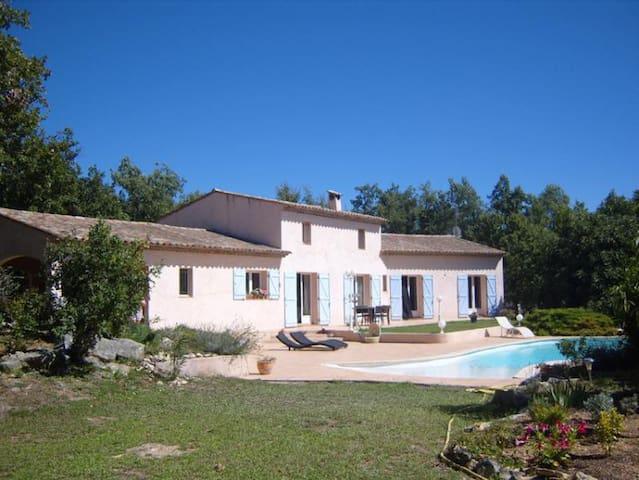 Villa orientée sud avec piscine - Saint-Cézaire-sur-Siagne - วิลล่า