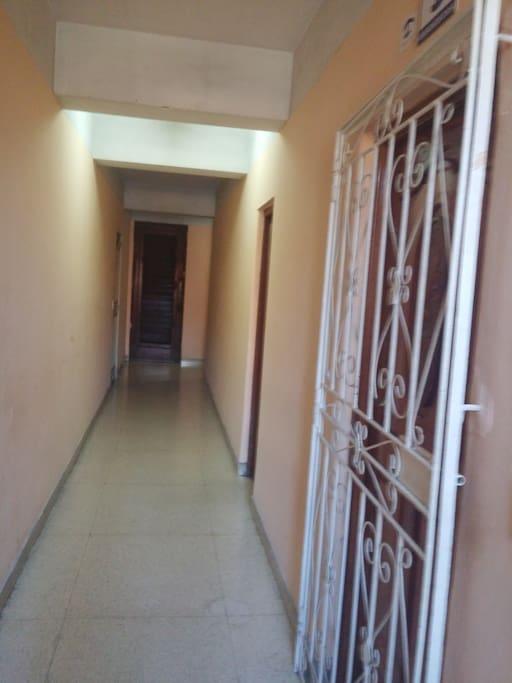 Pasillo interior 2do piso. Apartamento 203
