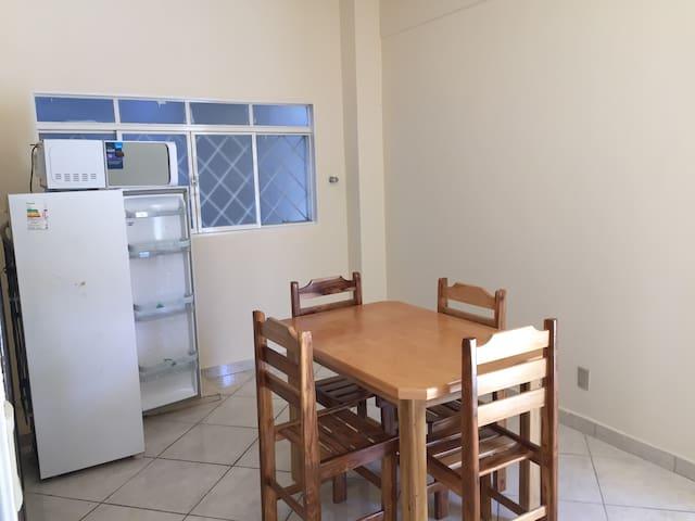 Aluga-se quarto para temporada - Cuiabá - Appartement
