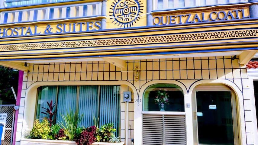 Hotel Quetzalcóatl: Tu hotel, tu casa.