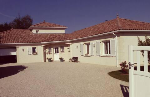 Belle suite dans villa provençale