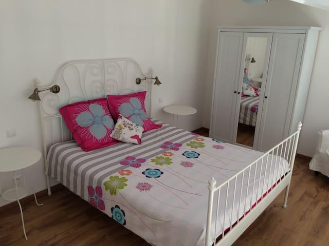 Chambre mezzanine avec lit en 160/200
