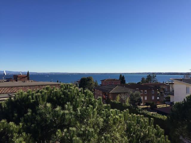 Spazio e relax con vista impagabile - Desenzano del Garda - Condominio