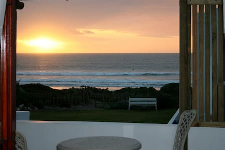 Baywatch Guest House - The White Mussel room - Paternoster