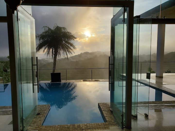 Hacienda Estrellas, contemporary Jungle house!