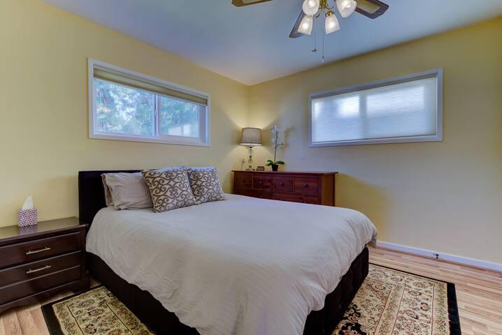 Master bedroom  Queen sized bed