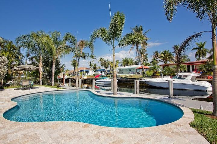 Pompano Beach Hacienda - 2 Bedroom Waterfront Pool