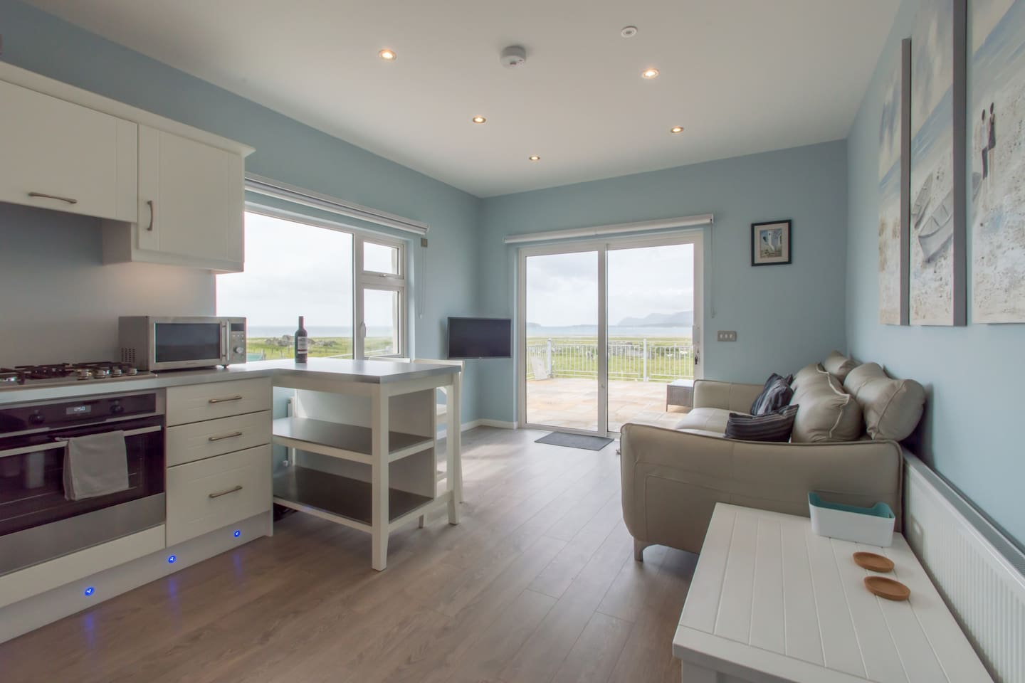 Large open plan lounge and kitchen! With fantastic views!