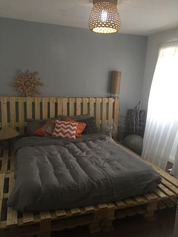 Charming Newly renovated room! - Mandaluyong - Huis