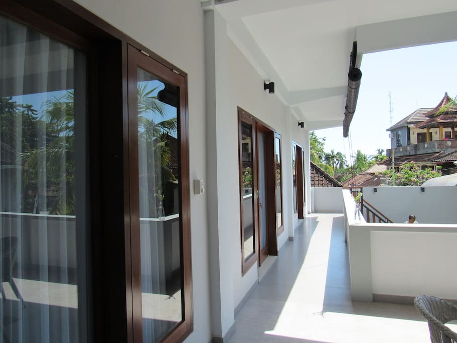 There are 4 bedrooms whereof 3 at the first floor. The 4th bedroom is located at the ground floor
