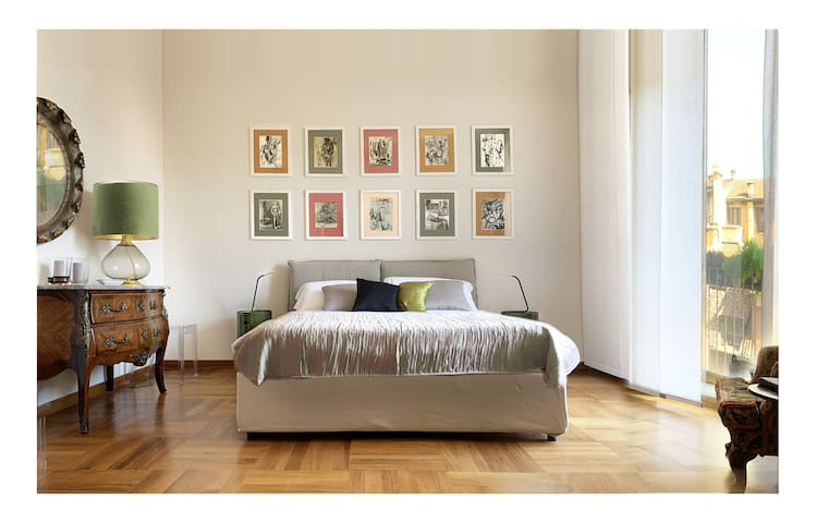 Elegant Apartment San Babila ,5 minutes from Duomo