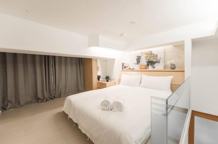 臥室1 Bedroom 1 with queen size bed 150x190cm