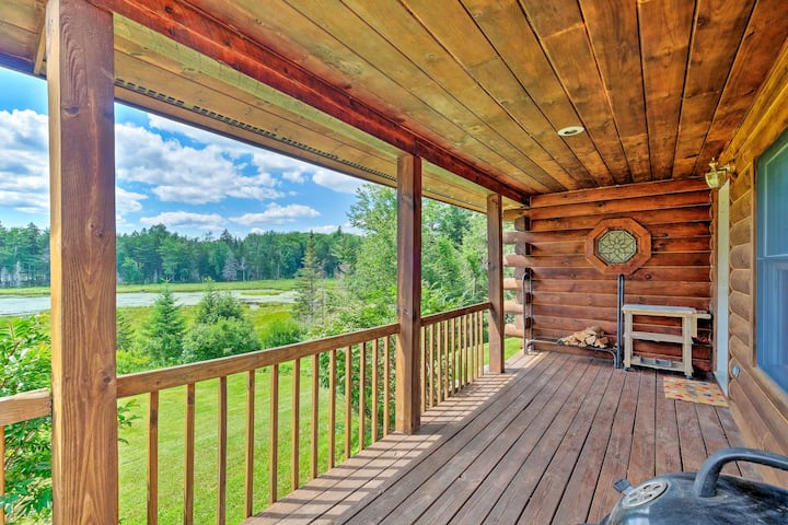 Jacksonville Cabin w/ Wraparound Deck & Views
