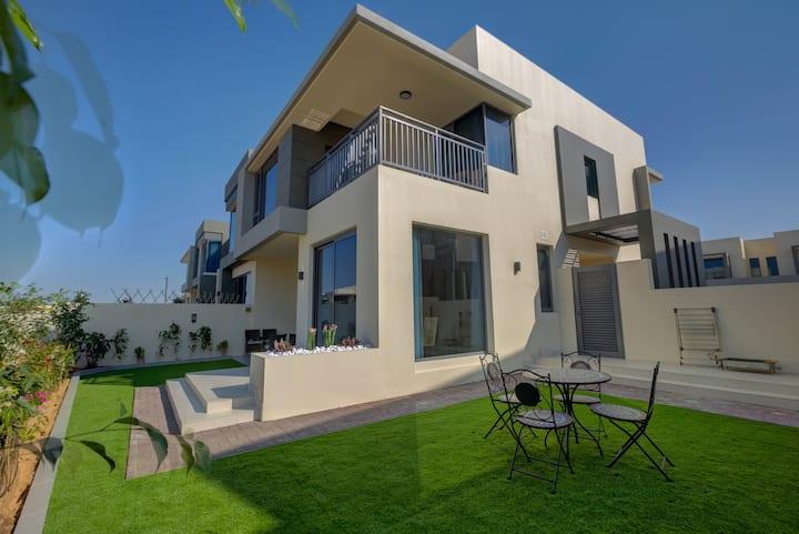 DISCOUNTS! 5 Bedroom Villa in Dubai Hills, Monthly