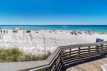 SPECTACULAR 10TH FLOOR CONDO WITH POOL/GULF VIEW!