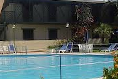 Appartamento con giardino sul mare - Serra Alimini I - Appartement